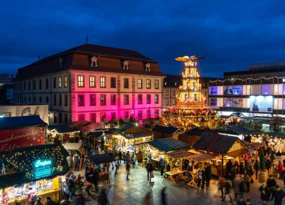 Beleuchteter Weihnachtsmarkt in Fulda