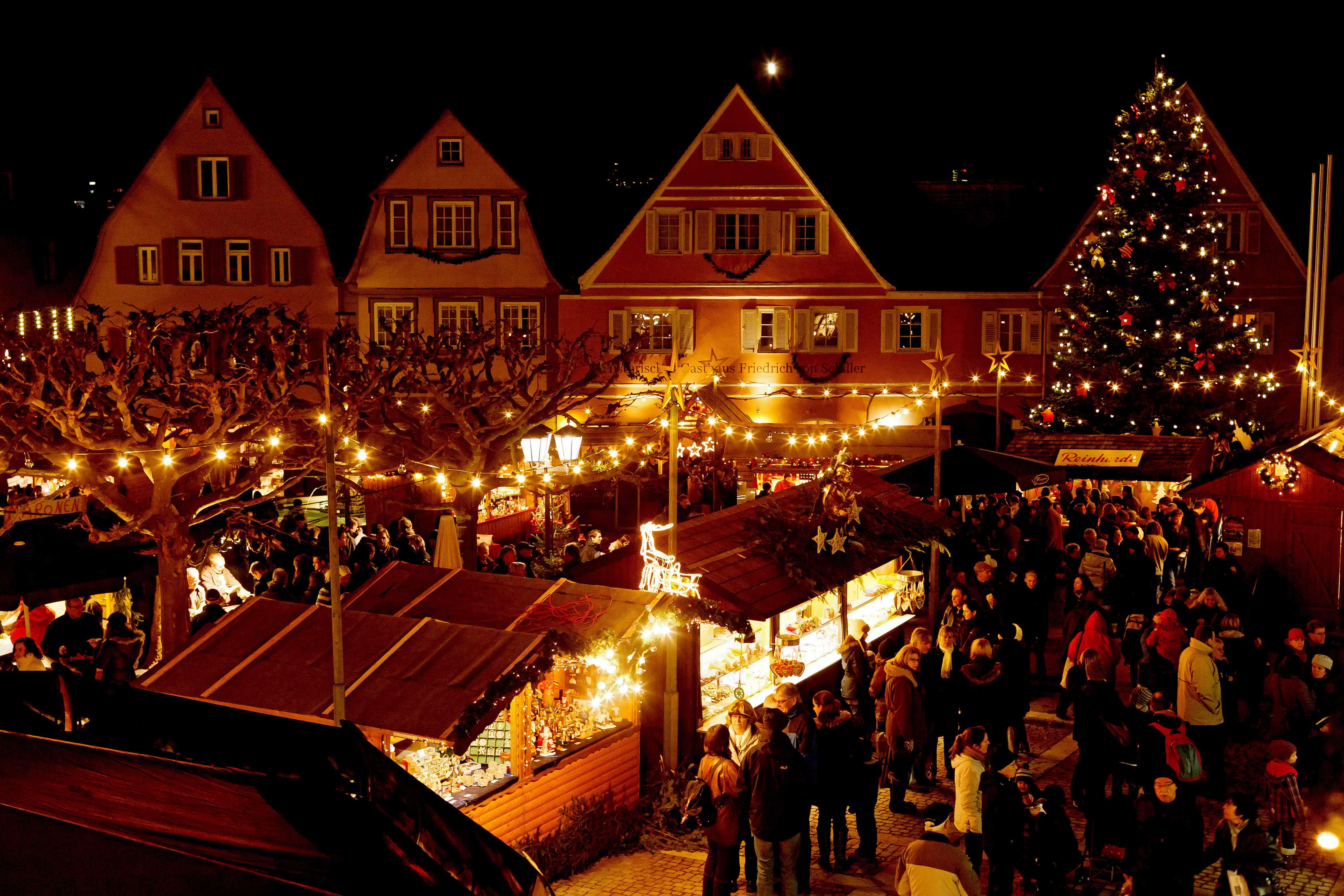 Sternlesmarkt in Bietigheim bei Nacht