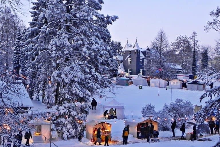 Schneelandschaft Schloss Grünewald, Solingen, Weihnachtsmarkt