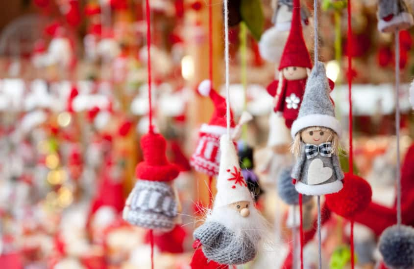 Christbaumanhänger, kleine Weihnachtsmänner