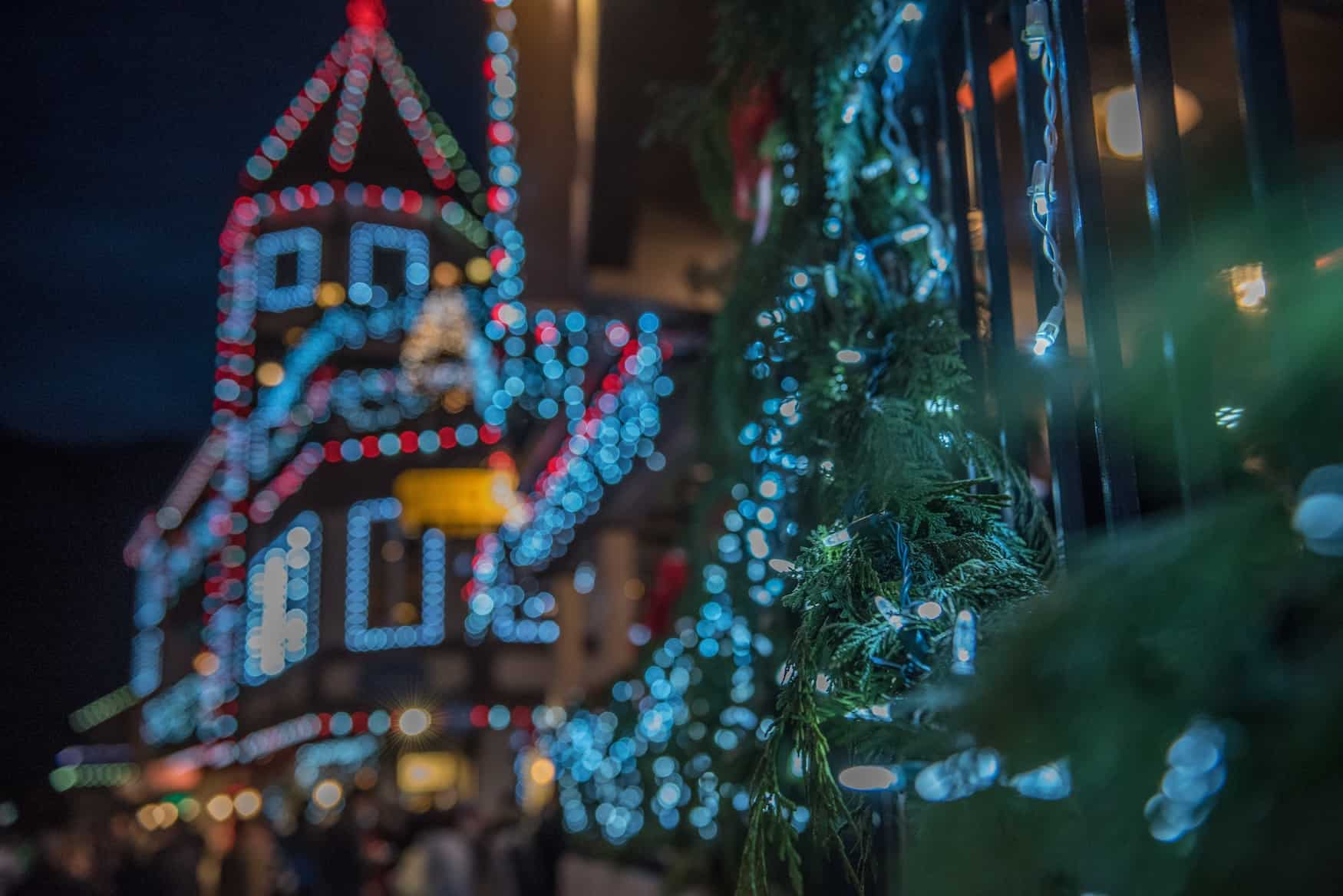 Weihnachtsbeleuchtung gebäude
