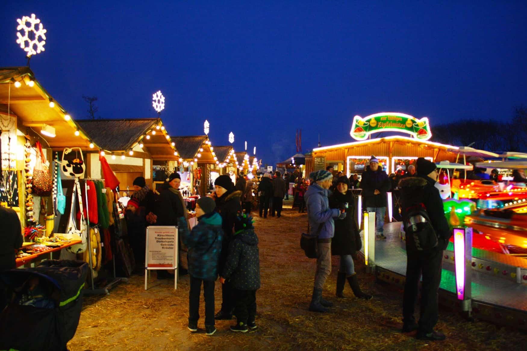 Abendliche Weihnachtsmarktstimmung
