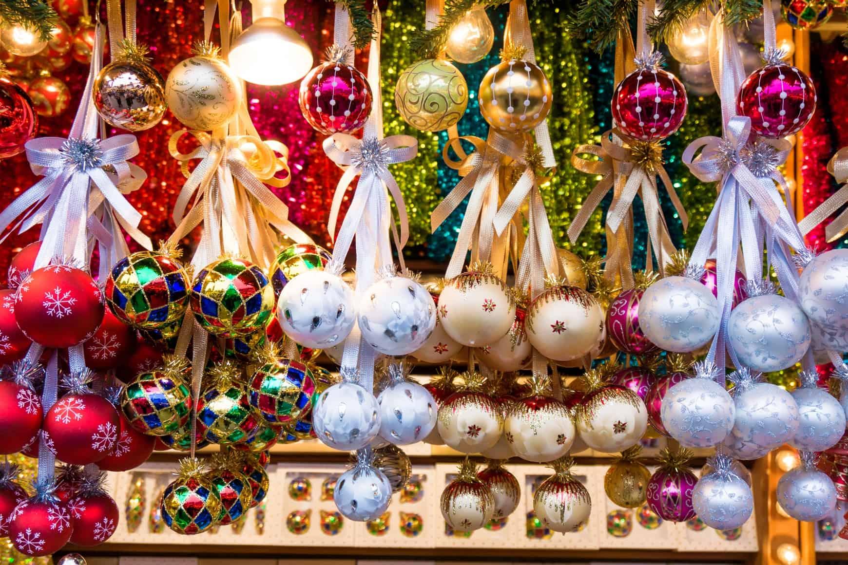 Weihnachtskugeln, Weihnachtsmarkt