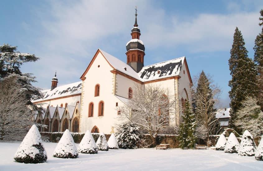 Kloster Eberbach im Schnee