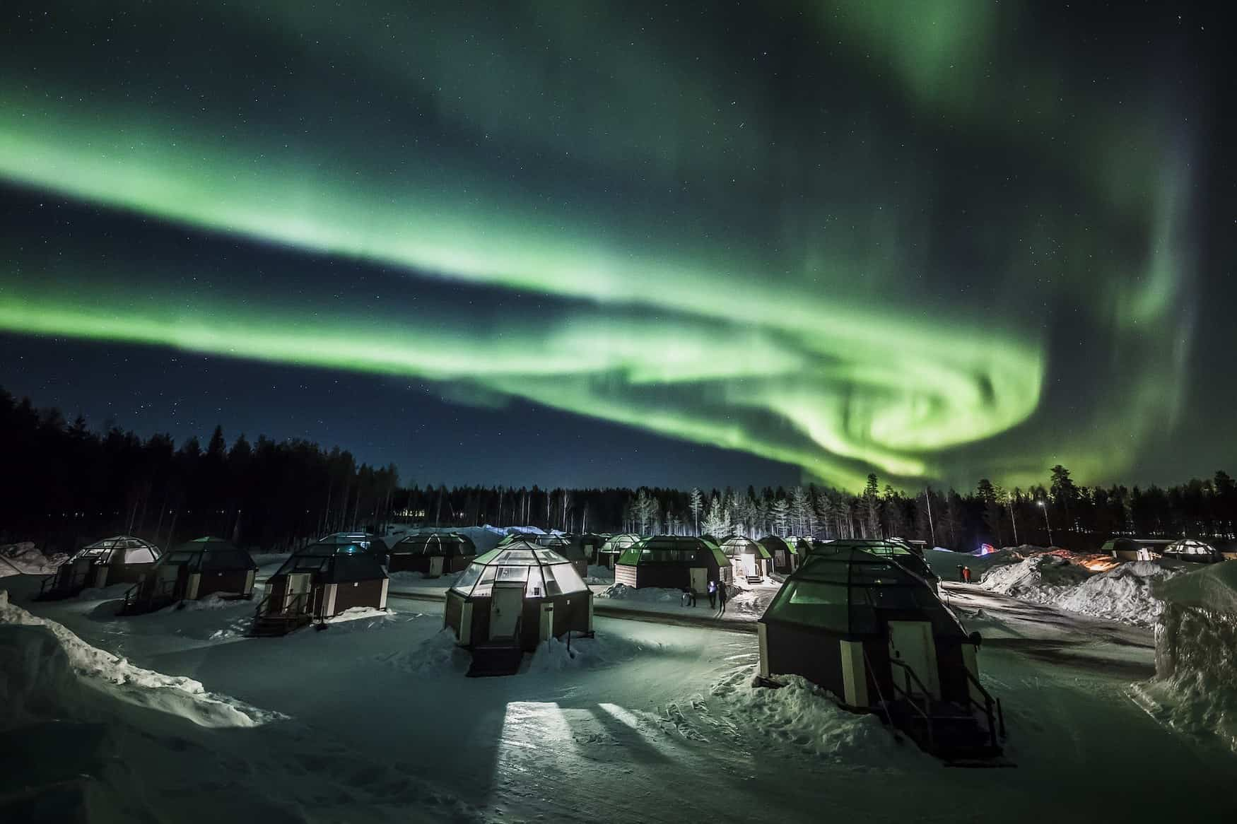 Nordlichter über Arctic Snowhotel and Glass Igloos in Rovaniemi