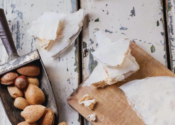 Turrón Duro ist eine süße Spezialität von den Balearen, die man in der Weihnachtszeit isst